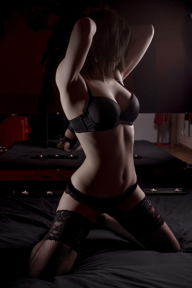 фото девушек с салонов эротического массажа